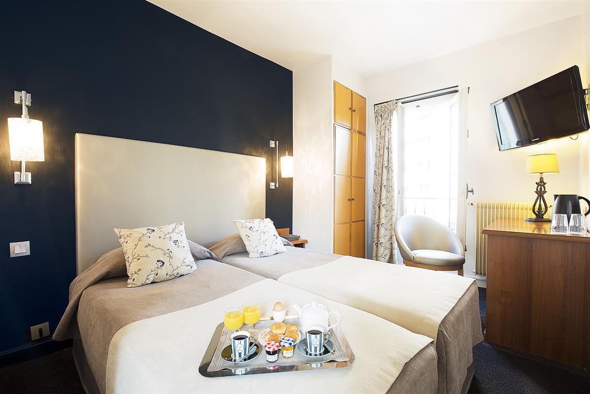 Chambre classique 2 personnes au france eiffel paris - Hotel paris chambre 5 personnes ...